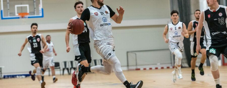 Trudne pojedynki zgierskich koszykarzy